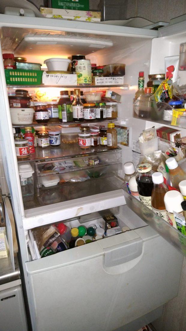 坂出市西庄町で冷蔵庫の中身の回収、清掃 施工事例紹介
